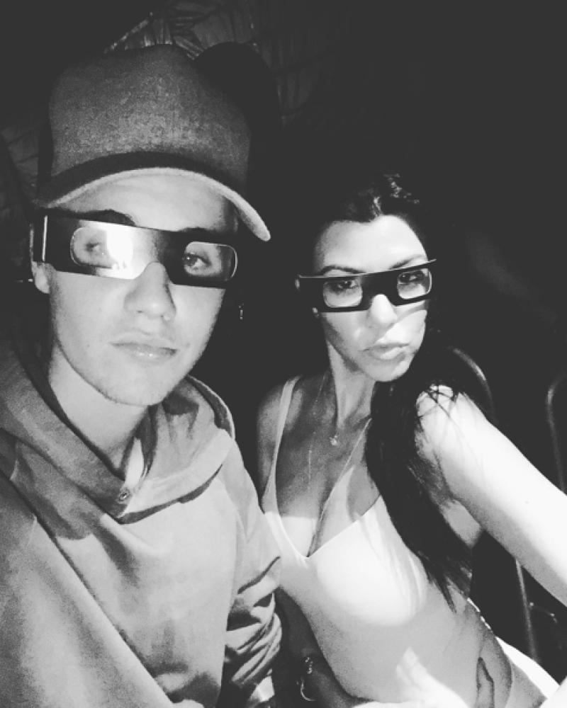 Desde el año pasado comenzaron a circular los rumores de un romance entre Kourtney y Justin, especialmente después de que fueran vistos muy juntos en sus redes sociales.