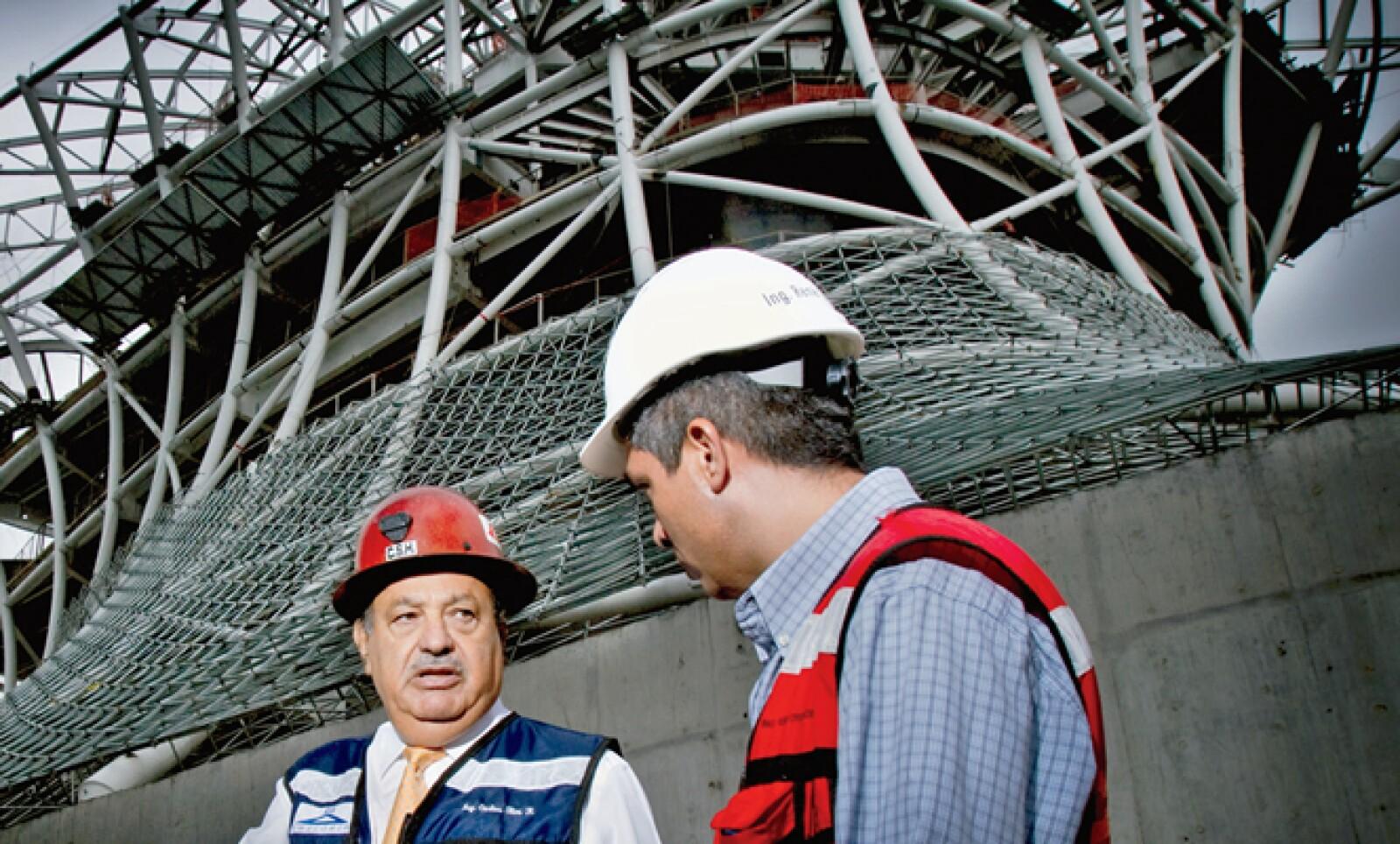 Los ingenieros que trabajan con Carlos Slim son expertos en rescatar zonas que perdieron su función original. En Plaza Carso laborarán 25,000 personas, 15 veces más que las que había en la llantera.