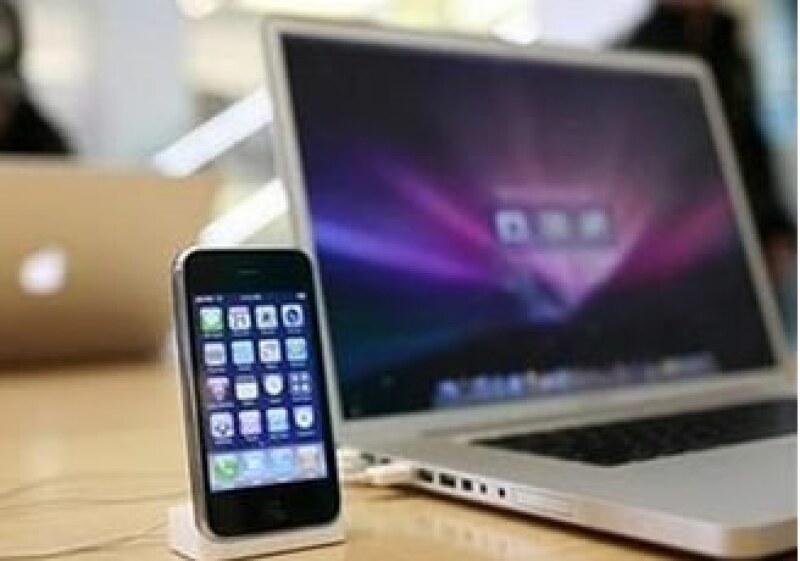 Las nuevas laptops MacBook son más livianas, de 4.7 libras (Foto: Reuters)