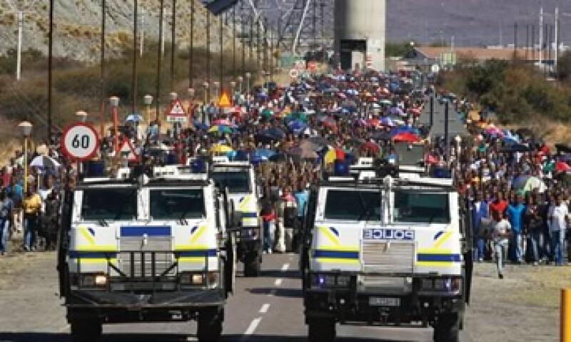 Tras la muerte de 34 mineros baleados en Marikana se desencadenaron huelgas en todo Sudáfrica. (Foto: Reuters)