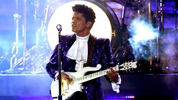 Bruno Mars tributo a Prince
