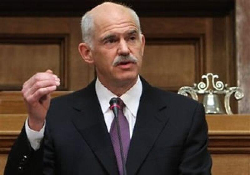 El primer ministro griego, George Papandreou, dijo que el Gobierno se ve obligado a pedir una contribución a todos sus ciudadanos. (Foto: AP)