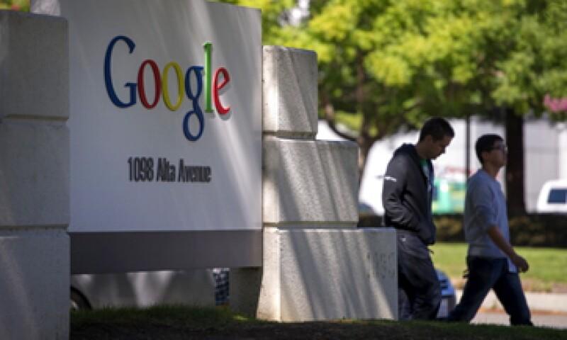 Google es acusada de favorecer sus propios productos y servicios en los resultados de su buscador.    (Foto: Archivo)
