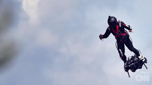 El Ejército de Francia incorpora a su equipo una patineta voladora