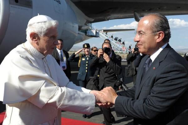 El Papa y Felipe Calderón acordaron trabajar en conjunto para combatir la violencia y el tráfico de armas.