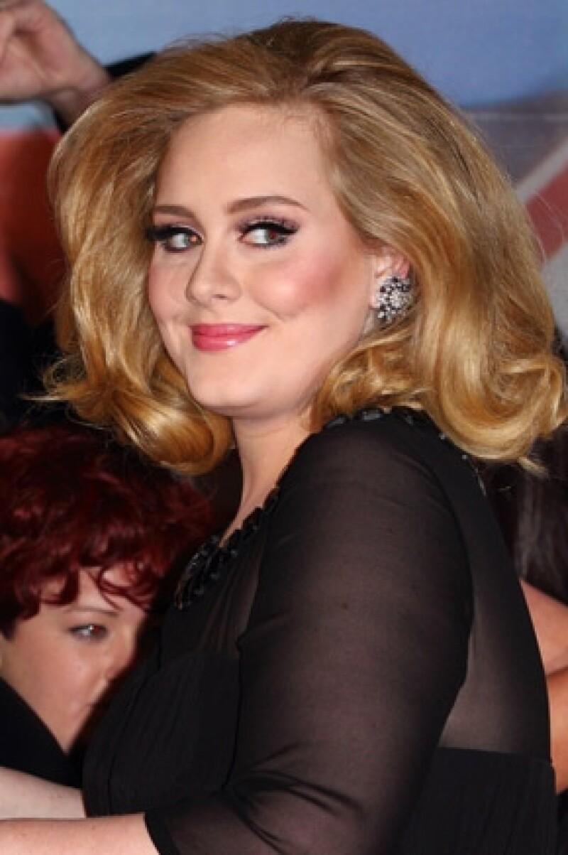 La cantante dará a luz a su primer bebé en las próximas semanas y tanto ella como su novio Simon Konecki preparan ya una vivienda en Hove, al sur de Inglaterra, donde puedan estar tranquilos.