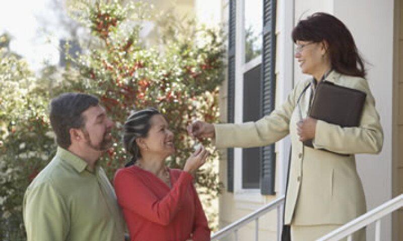 Considera la opción de buscar asesoría profesional para fijar el precio de la renta y elegir al inquilino. (Foto: Thinkstock)