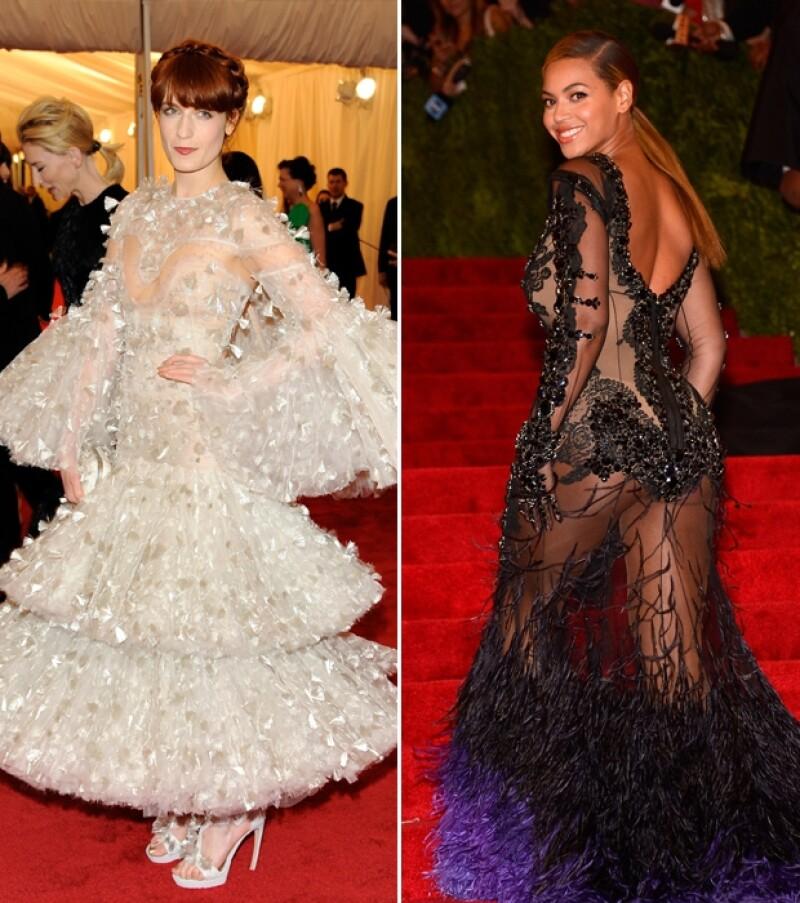 La gala es reconocida por los espectaculares atuendos que presumen los asistentes, algunas de carácter Haute Couture y otras de Pret-a-Porter.