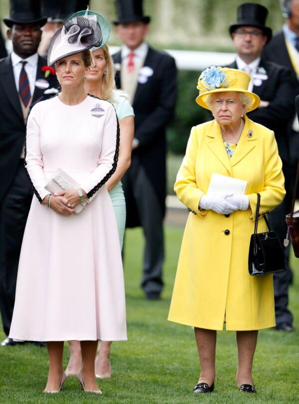 Reina Isabel y Sophie Wessex