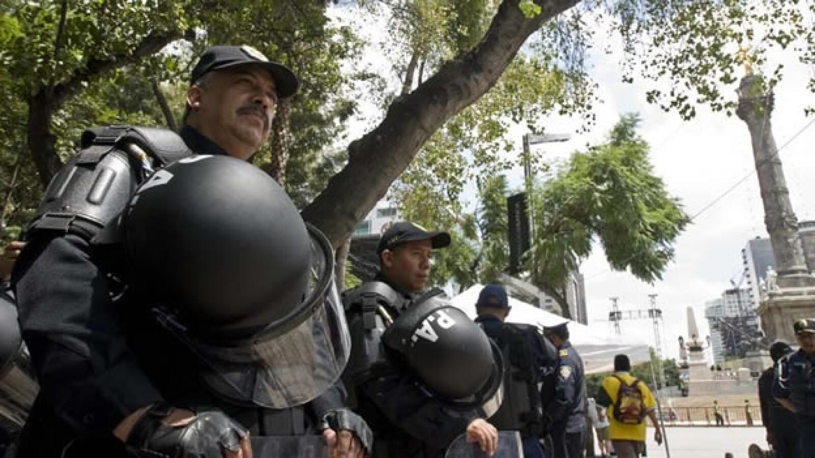 policias bicentenario angel