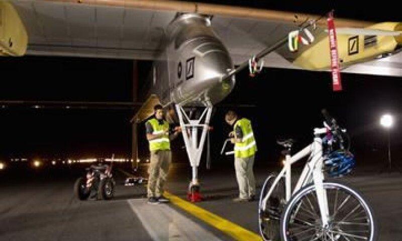 SolarImpulse prepara un itinerario de las mayores ciudades que sobrevolará.  (Foto: Reuters)