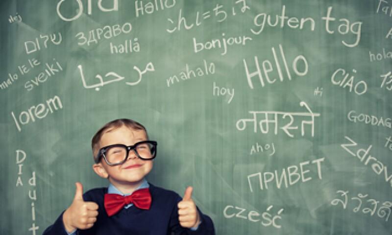 Se puede percibir hasta 1,200 dólares mensuales mientras aprendes otro idioma. (Foto: Getty Images)