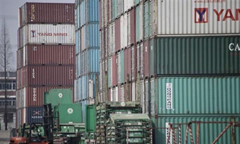 Analistas señalan que el alza del tipo de cambio podría dar espacio para el crecimiento de las exportaciones. (Foto: AP)
