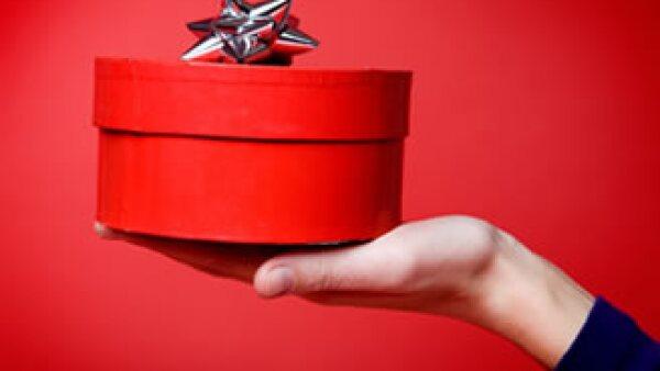 Para este día de los enamorados explora la posibilidad de dar de regalo un fondo de inversión.  (Foto: Photos To Go)