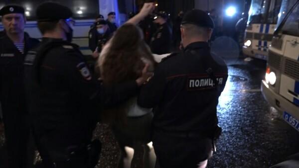 Manifestantes protestan en Rusia contra posible extensión de mandato de Putin