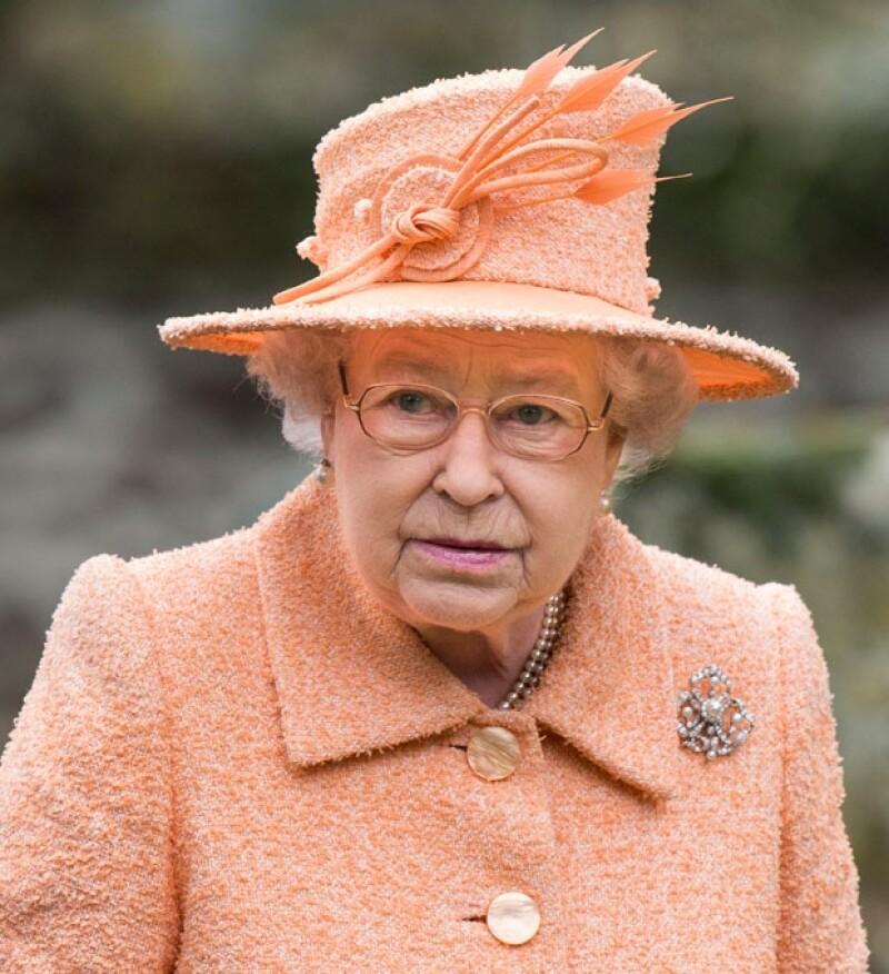 La reina Isabel II lleva 60 años en el trono.
