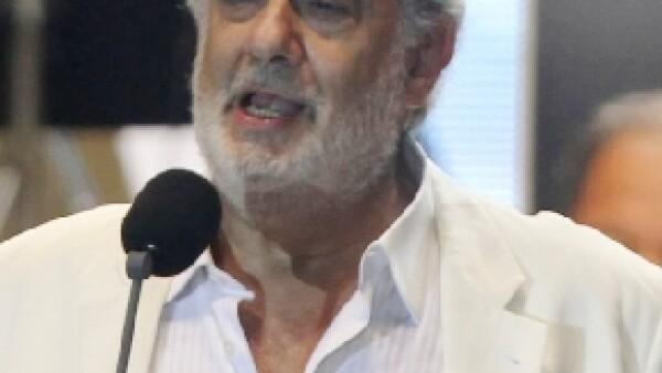 El tenor español se encuentra en un hospital de Madrid y ha tenido que cancelar sus presentaciones.
