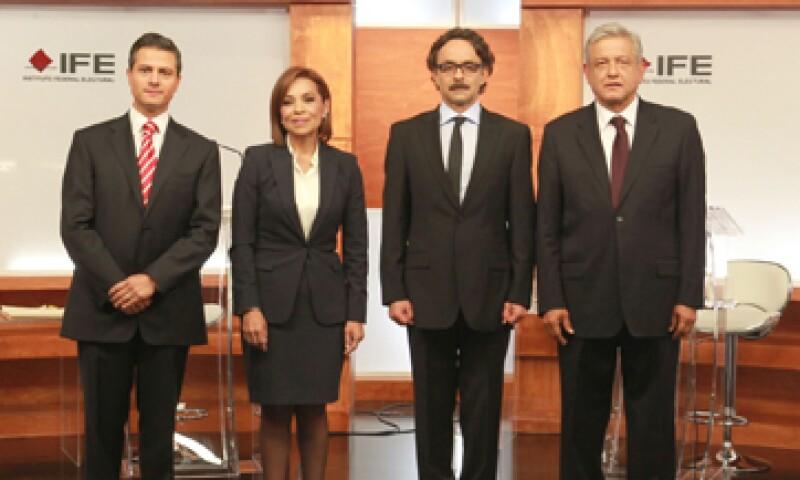 El domingo pasado, los candidatos presidenciales sostuvieron el primer debate organizado por el Instituto Federal Electoral. (Foto: Notimex)