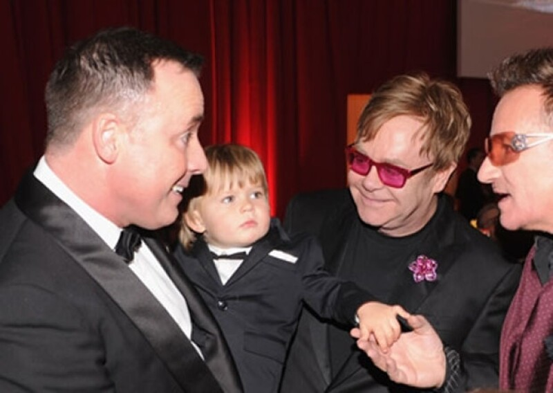 Su hijo Zachary fue la sensación de la fiesta después del Oscar ofrecida por Sir Elton John.