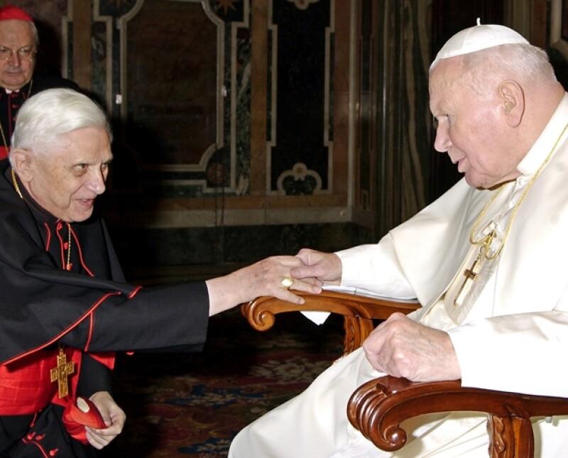 Esta será la primera visita que el Papa realice al país, su llegada crea cierta expectativa ya que su antecesor fue muy popular y querido por todos los mexicanos.