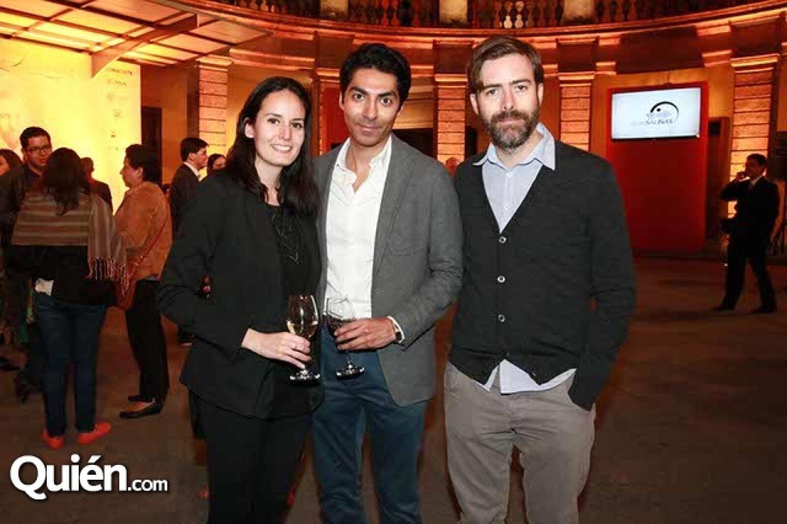 Victoria Sánchez,Rodrigo Chávez y Diego Arrangoiz