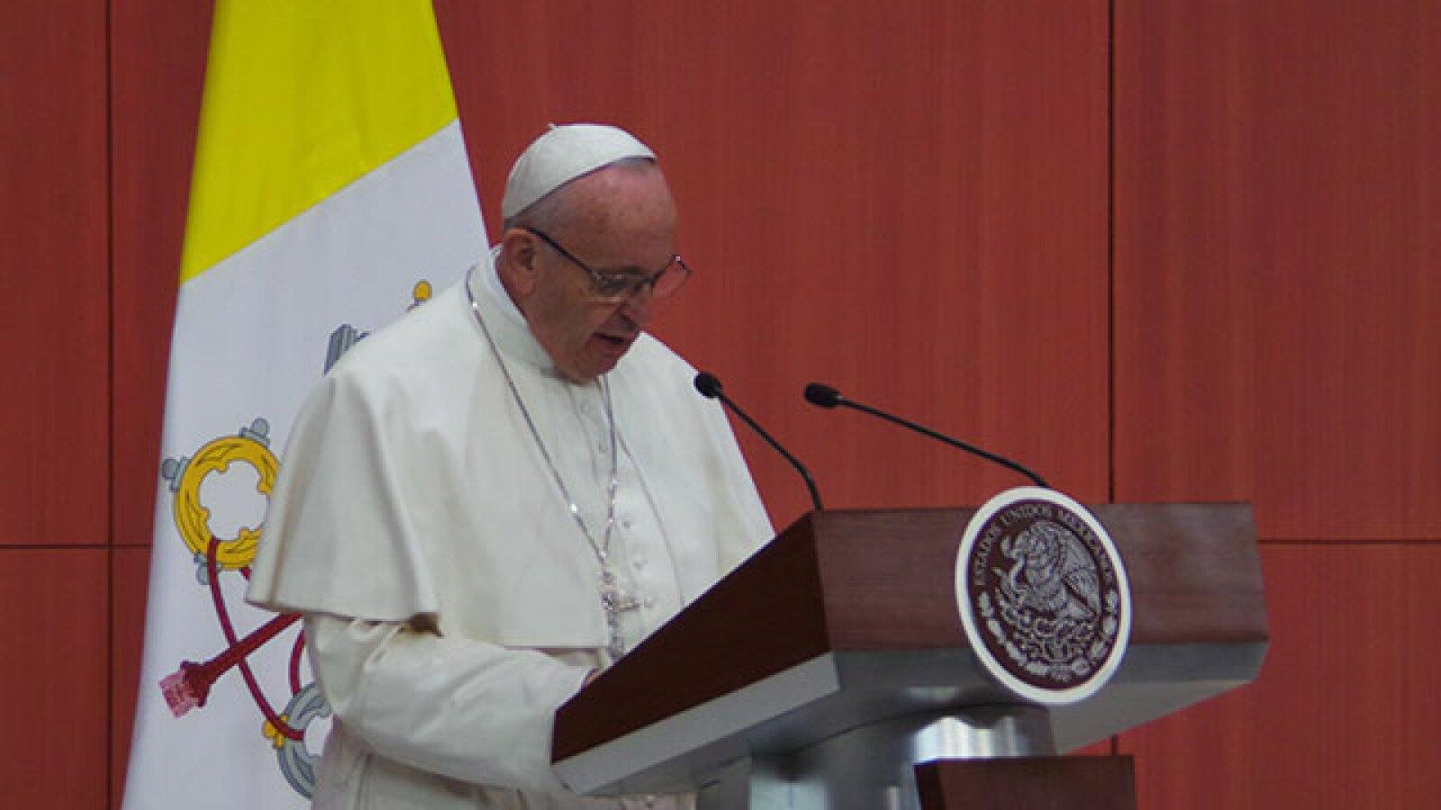 El Papa tomó el micrófono para agredecer y dar unas palabras.