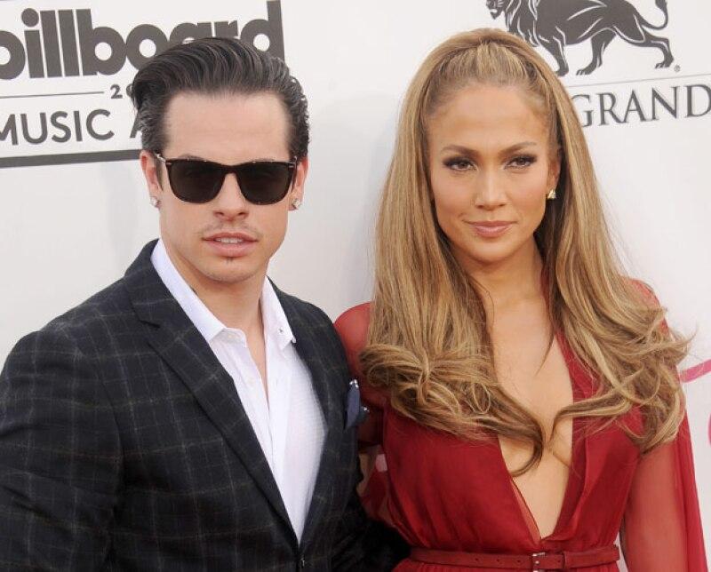 Jennifer Lopez es 17 años más grande que Casper Smart.