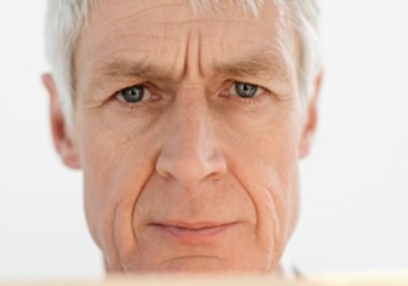 Un empleado debe ahorrar 10% de su salario mensual para vivir con una jubilación del 30% de su último sueldo. (Foto: Jupiter Images)