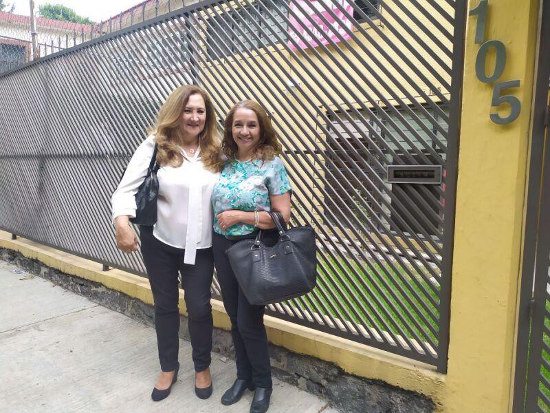 Pilar Ceballos y Connie García de Gómez