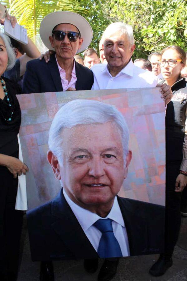 Ernesto Ríos Rocha con Andrés Manuel López Obrador 1.jpg