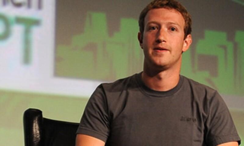 El presidente ejecutivo de Facebook, Mark Zuckerberg, anunció en 2010, sus planes para donar 100 mdd para escuelas públicas.    (Foto: Getty Images)