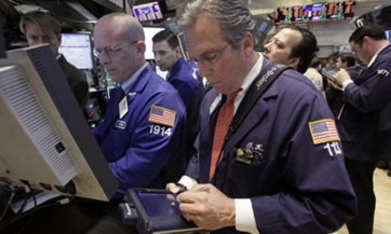 Las acciones estadounidenses terminarcon un alza de más de 1% este martes. (Foto: Reuters)