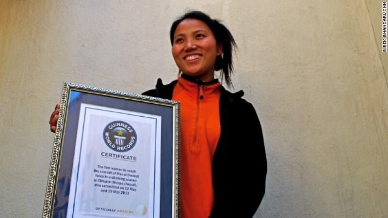 Chhurim Sherpa es la primera persona en escalar el Everest dos veces en una semana