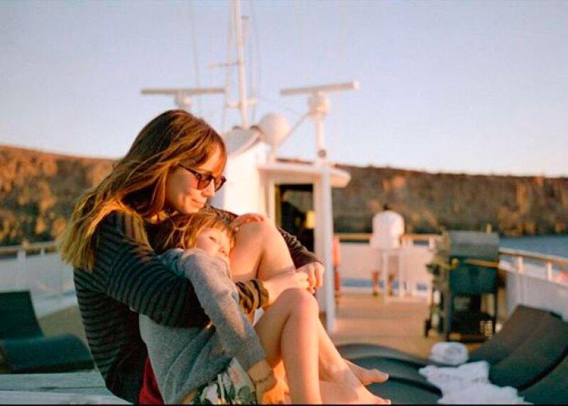 La actriz de 30 años disfruta pasar tiempo con sus hijos sin descuidar su carrera profesional.
