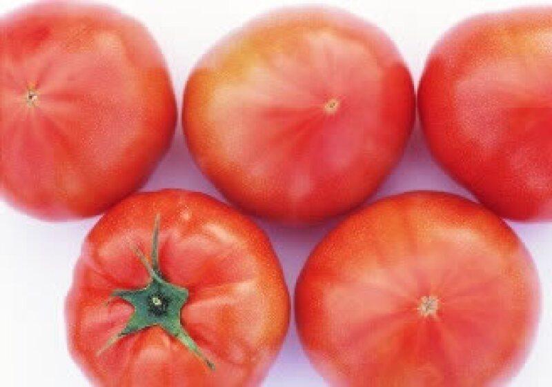 El precio del jitomate (tomate) sube 110% a tasa anual. (Foto: Jupiter Images)