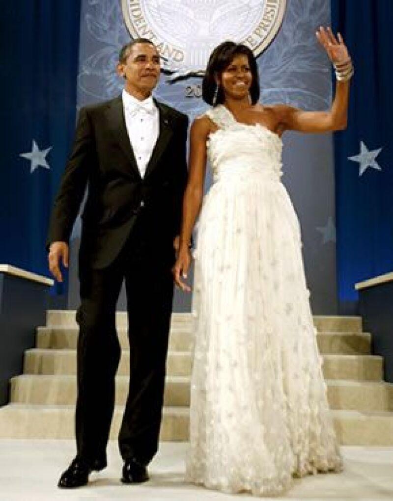 Los vestidos sin mangas de la primera dama marcan tendencia y devuelven el protagonismo a una parte del cuerpo olvidada.