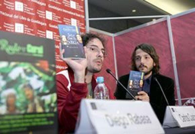 El actor mostró la versión literaria del filme en la Feria Internacional del Libro de Guadalajara.