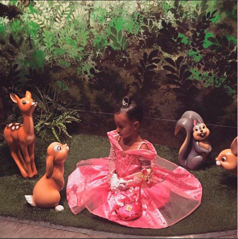 La pequeña de tres años fue celebrada en grande por su famosa familia.