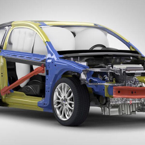 El C30 2011 estrena un paquete deportivo que ofrece suspensión más rígida y dirección más precisa de manera opcional.
