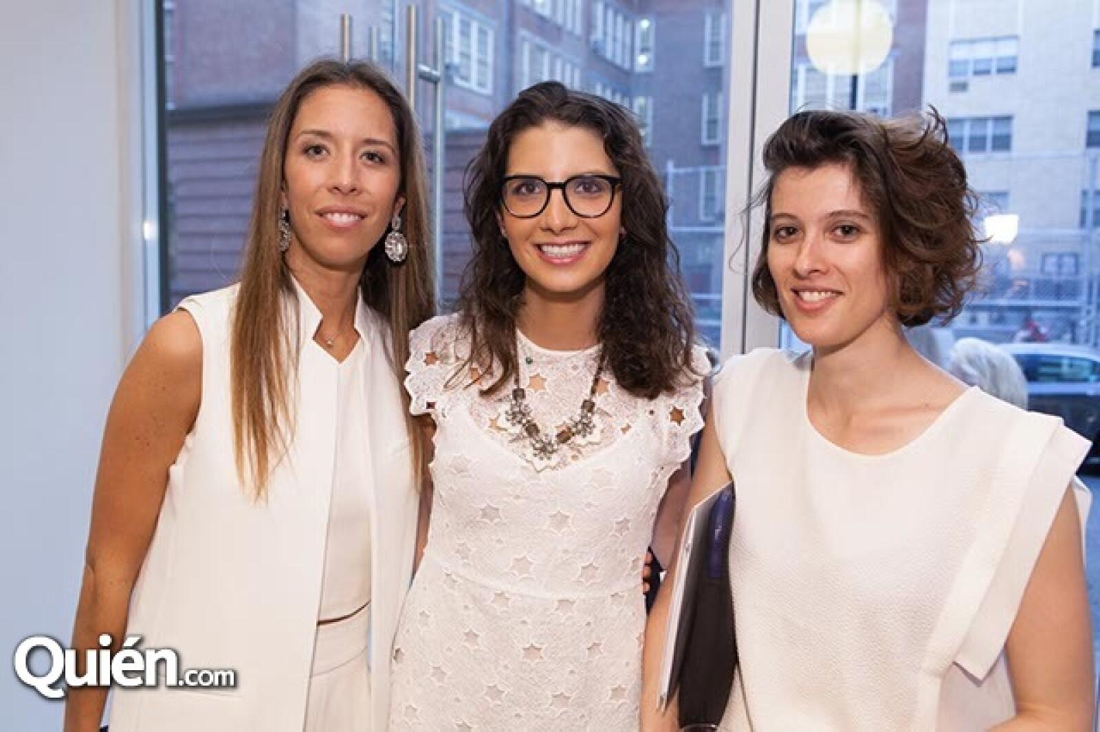 Juana Domenzain Girault,Gina Moreno y Laulare Dubois