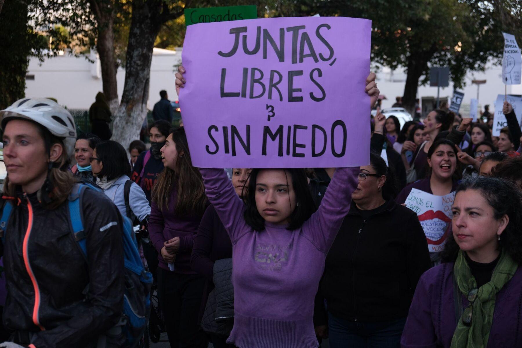 Mujeres marcharon para exigir justicia en contra de todos los feminicidios y violencias machistas.