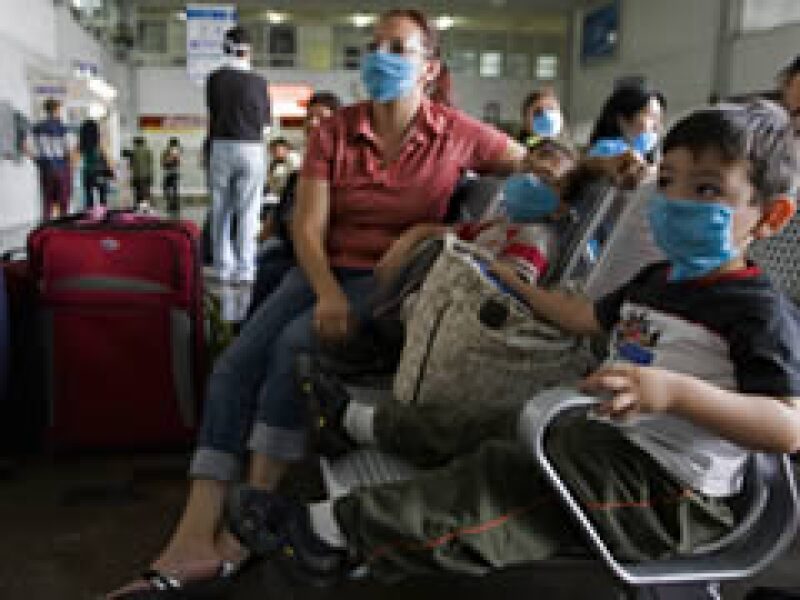 Países como Venezuela, EU y Canadá han pedido a los viajeros que extremen precauciones. (Foto: Reuters)