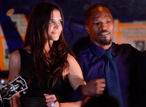 También se ha dicho que Katie y Jamie llevan tres años de relación, sin embargo ambos lo han mantenido en secreto.