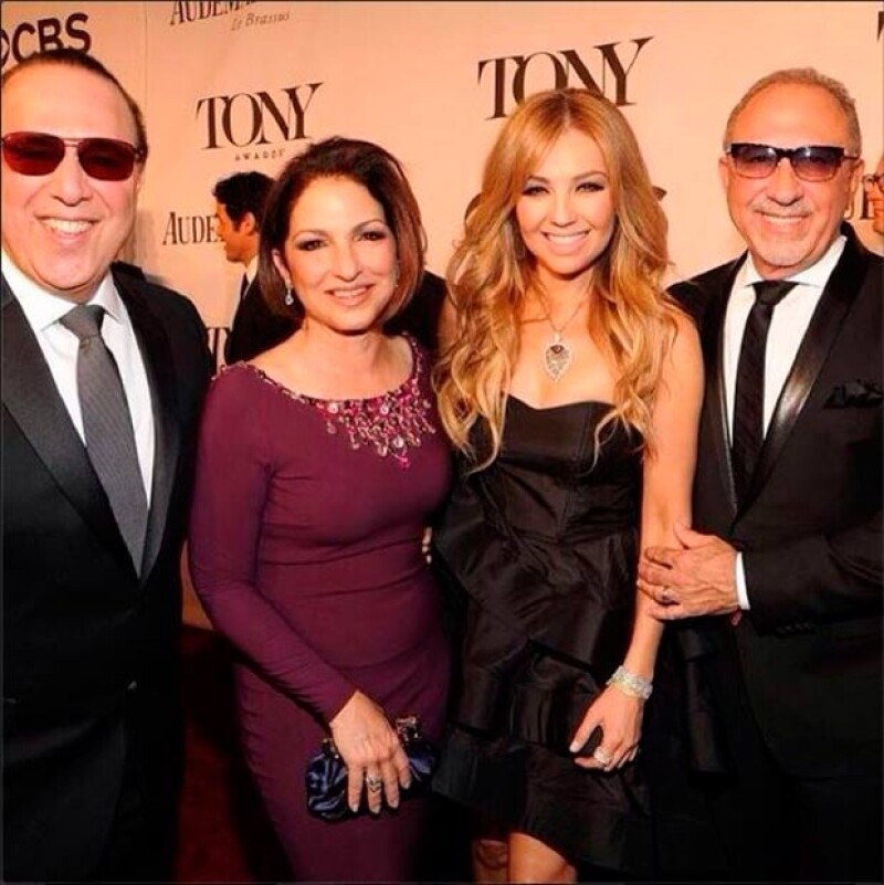 Thalía y Tommy se fotografiaron con sus amigos Gloria y Emilio Estefan.