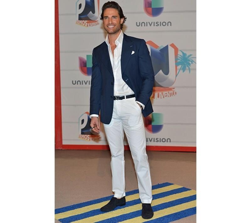 Sebastián Rulli fue el mejor vestido, al menos así lo aseguró su novia, Aracely Arámbula.