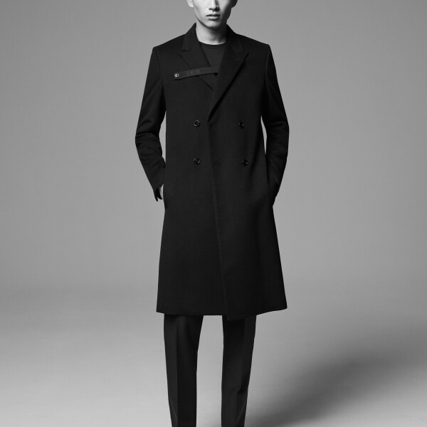 8 DIOR_MEN'S_DIOR_ESSENTIALS_©Brett Loyd_7.jpg