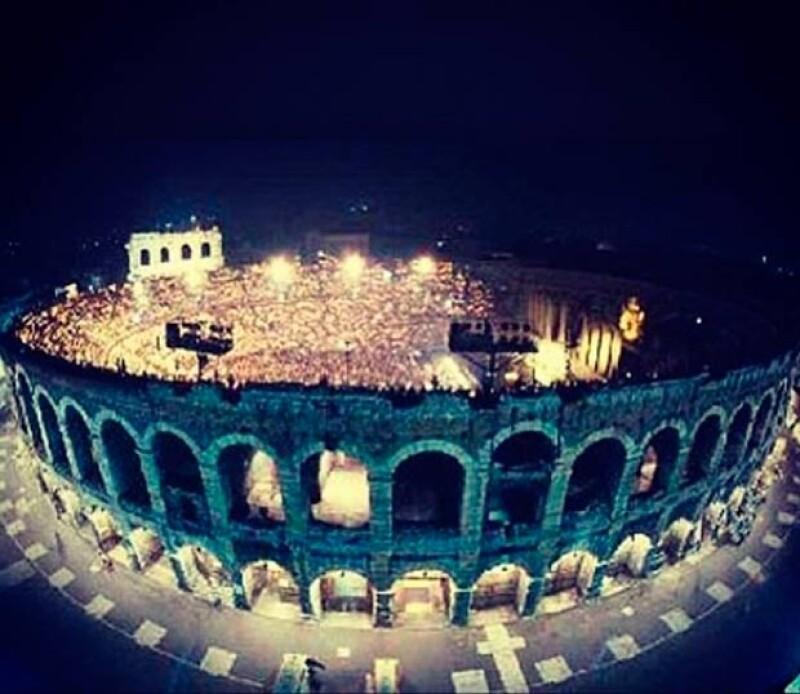 Lola compartió esta imagen del Coloso donde se presentó en la ópera Notre Dame de Paris.