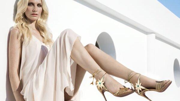 Los zapatos que se roban nuestros suspiros ya los llevan Nicky Hilton y Chiara Ferragni. Descubre el porqué de nuestra obsesión.