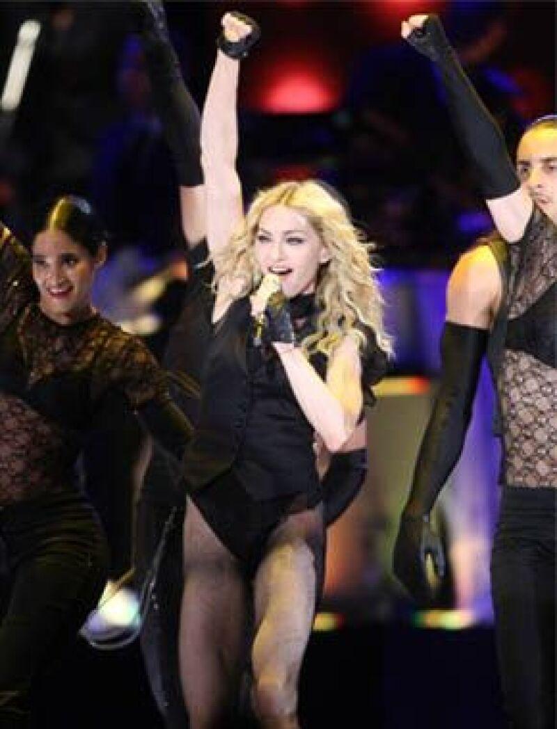 La cantante combina ejercicio y una esctricta dieta para conseguir el cuerpo perfecto.
