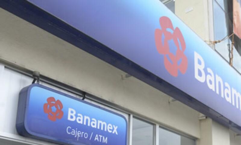 Banamex lideró el sector al administrar 1.6 bdp de recursos captados de clientes. (Foto: Cuartoscuro)